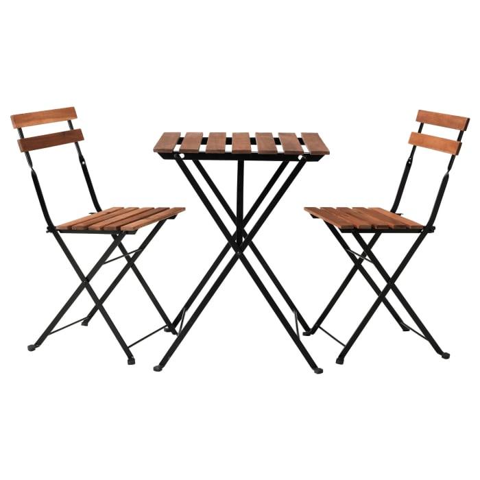 Galds un 2 krēsli īre