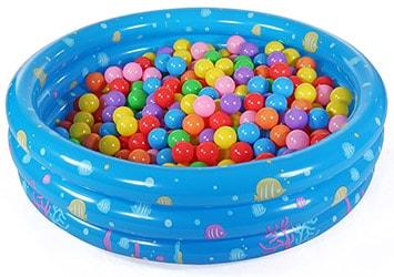Bumbu baseins are 1000 bumbām bērnu ballītēm